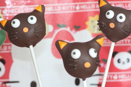 Hello Kitty Cake Pops — Chococat