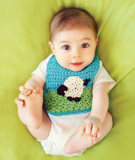 Baby Bib with Sheep Applique (Free Crochet Pattern)