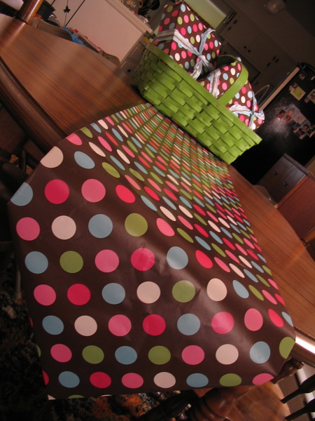 10 Minute Wrapping Paper Table Runner