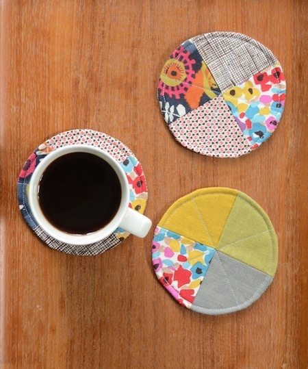 25 Colorful Scrap Fabric Projects to Gift featured by top US sewing blog, Flamingo Toes: Quilted Circle Coasters