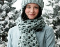 Quick Checkered Crochet Hat and Scarf (Free Crochet Pattern)
