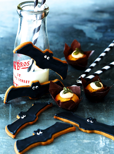 Gingerbread Bat Cookies