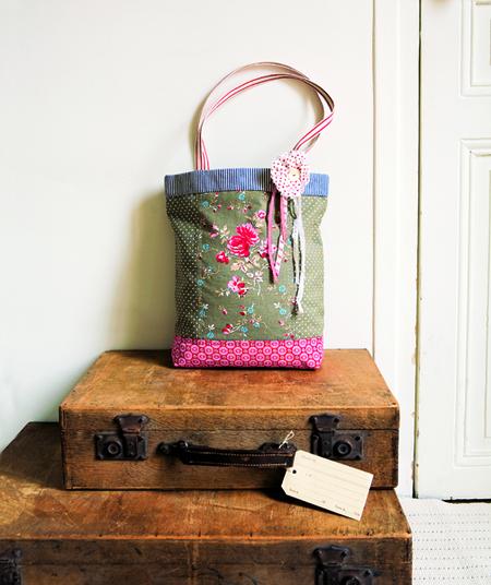 Patchwork Shoulder Bag Free Sewing Pattern