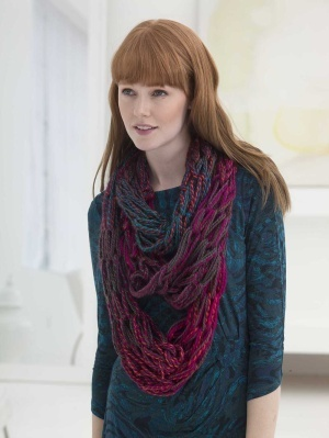 Three Strand Arm Knit Cowl (Free Knitting Pattern)