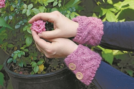 Free Knitting Pattern - Wrist Warmers: Róisín