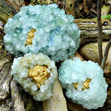 Golden Geodes