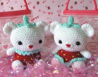 Little Strawberry Amigiurimi Crochet Bears