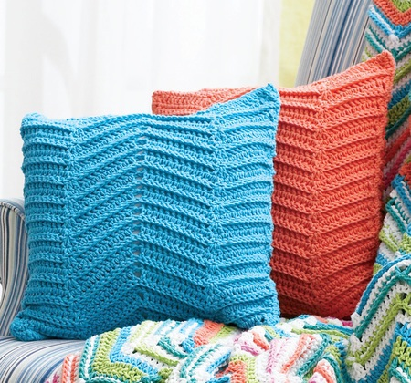 Crocheted Zigzag / Chevron Pillows (Free Pattern)