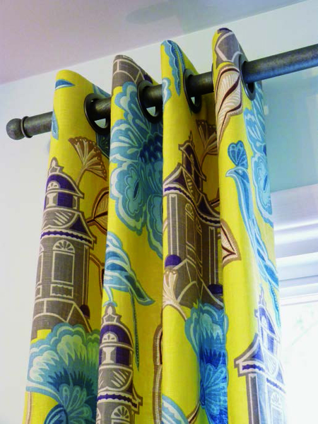 Grommet Curtain (Free Sewing Pattern)