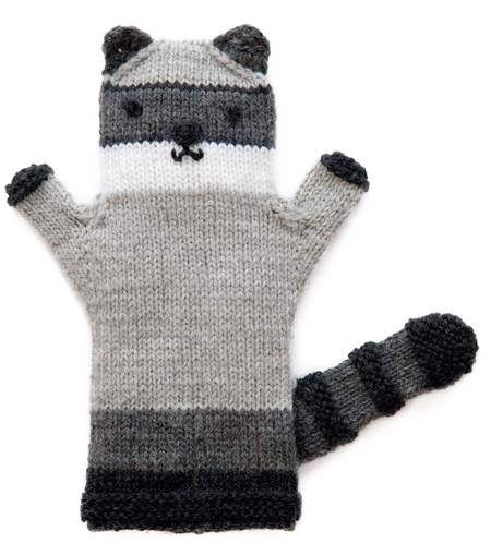 Knitted Raccoon Puppet (Free Knitting Pattern)