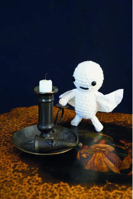 Pocket-Sized Scary Ghost (Free Crochet Pattern)