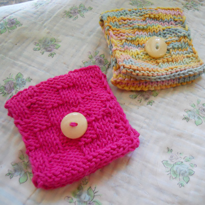 knitted tea wallet