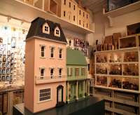 Tiny Dollhouse Shop