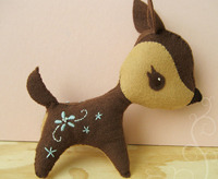 pushie felt deer