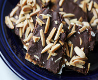 chocolate matzah brickle