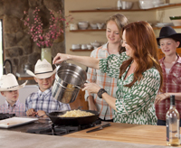 Pioneer Woman Ree Drummond with family