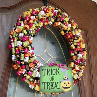 Halloween crafts featuring ribbon wreath