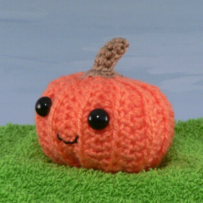 Halloween crafts featuring amigurumi pumpkin