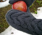 twilight-inspired knit gloves