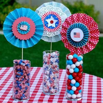 4th of July Craft--Paper Lolly Centerpieces