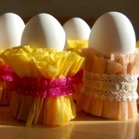Ruffled crepe paper egg stands