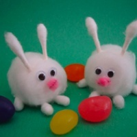 Easter bunnies made of cotton balls and Q-tips