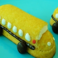 A Twinkie cut and decorated to look like a school bus