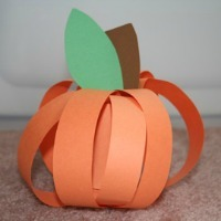 Fall Craft for Kids -- Paper Strip Pumpkin