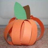 Fall Craft for Kids -- Paper Strip Pumpkin