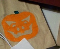 Halloween Crafts: Reflective Treat Bag