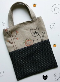 Halloween Crafts: Embroidered Trick-or-Treat Tote
