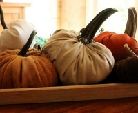 Thanksgiving Centerpieces: Plush Pumpkins from New House New Home New Life
