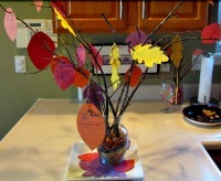 Thanksgiving Centerpieces: Thankful Tree from Thriving Home Blog
