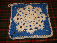 Snowflake Patterned Pot Holder