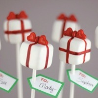 Cake pops shaped like present boxes