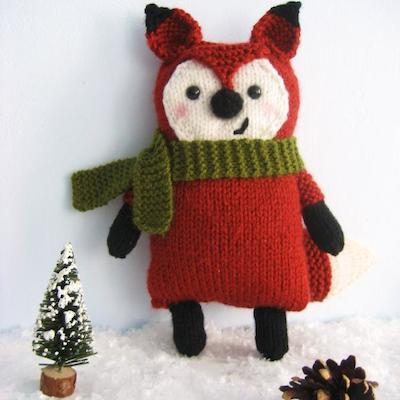Knitted fox amigurumi pattern