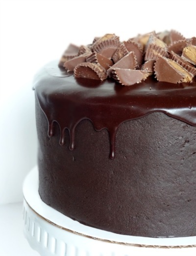 Dream-Worthy Chocolate Cake Recipes: Peanut Butter and Chocolate Cake with Reese
