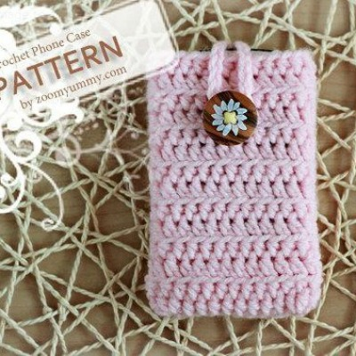 simple crocheted iPhone case