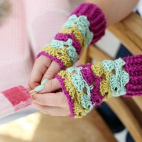 Easy crochet wrist warmers