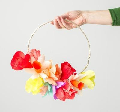 DIY Crepe Paper Flower Spring Wreath