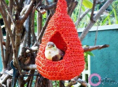 Crocheted birds nest