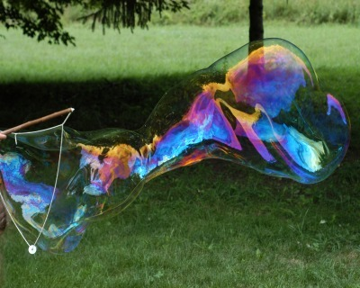 homemade bubble wand, diy bubble wand, diy lawn game