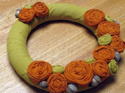 fall diy Wreath felt rosette