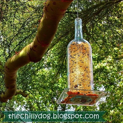 DIY bottle bird feeder, Wine bottle DIY, Wine bottle bird feeder, Outdoor uses for wine bottles