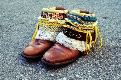 Boho belted boots