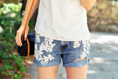 Lace-detail shorts