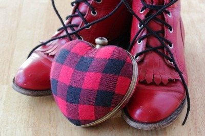 Gwen Stefani, celebrity style, plaid heart shaped purse, plaid purse tutorial, plaid crafts