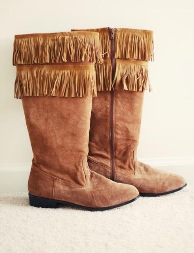 Celebrity Style, Olivia Palmero, fringe, fringe boots, fringed boots diy, refashioned scarf