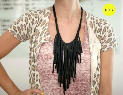 Celebrity Style, Olivia Palmero, fringe, fringe necklace, fringe necklace diy, refashioned tshirt