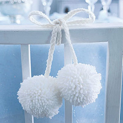 snowball white pompoms